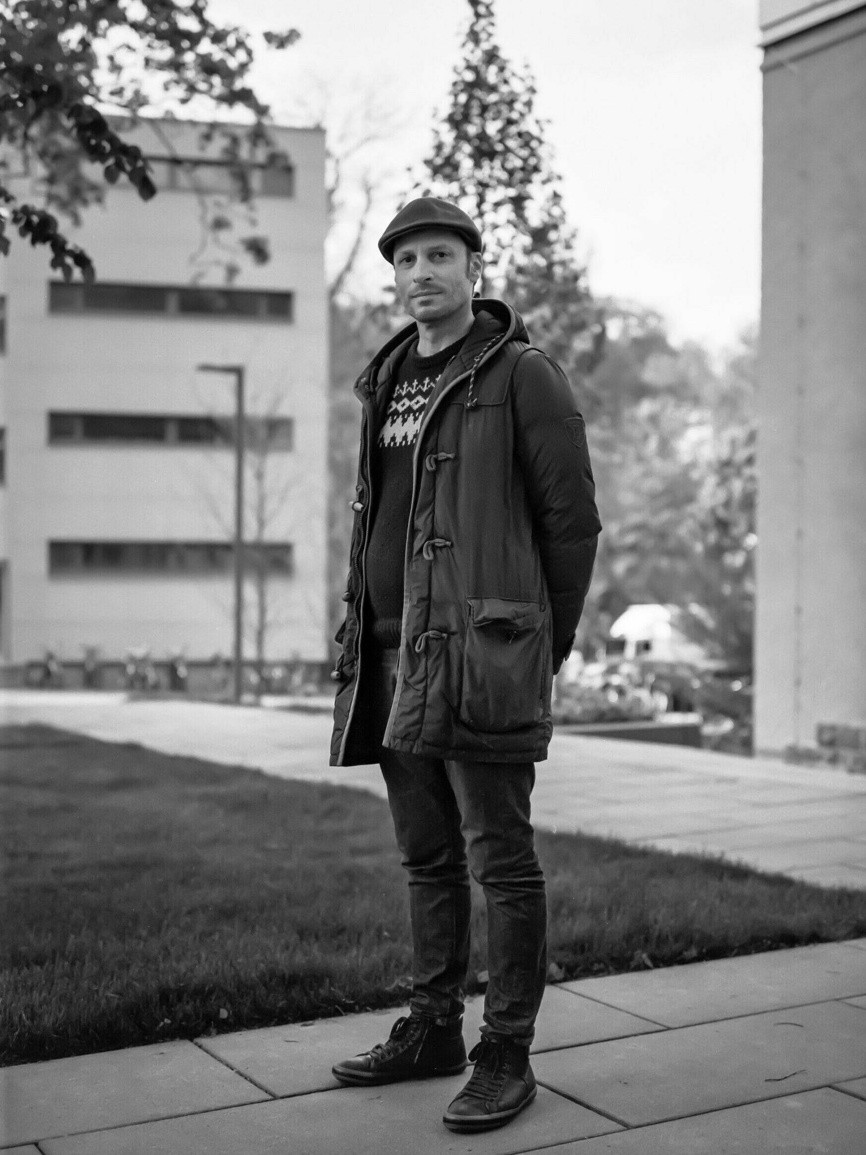 Vincenz Warnke gratuliert dem Stadtbad zum Jubiläum. Foto: Thomas Lewandovski.